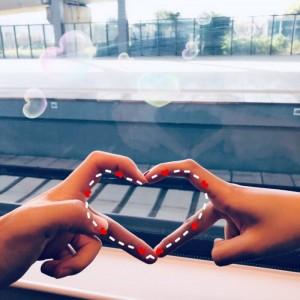 情侣甜蜜手势头像图片
