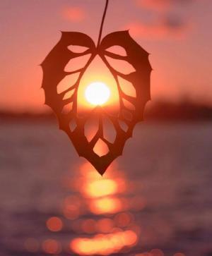 不同的角度看日落的云霞唯美图片