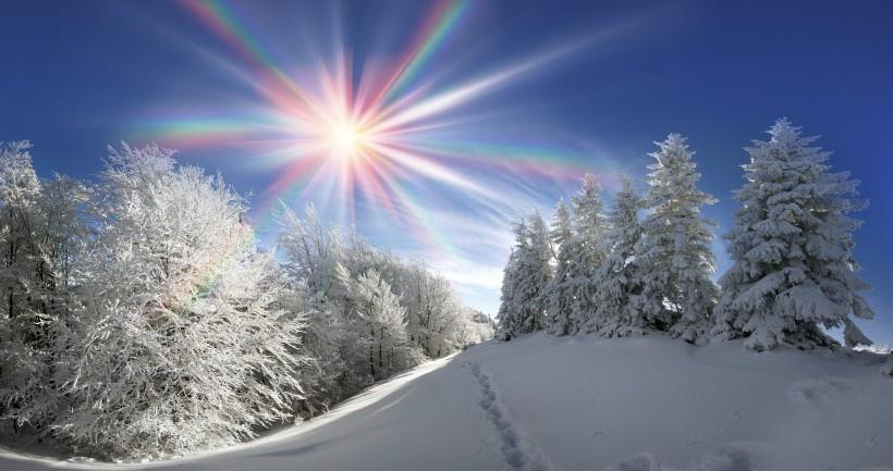 北方山林雪景图片