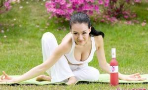 母其弥雅的瑜伽术写真图片