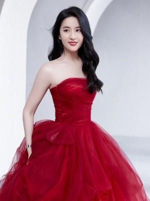 刘亦菲开年红裙美艳大片