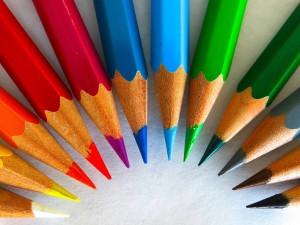 五彩缤纷彩色铅笔图片