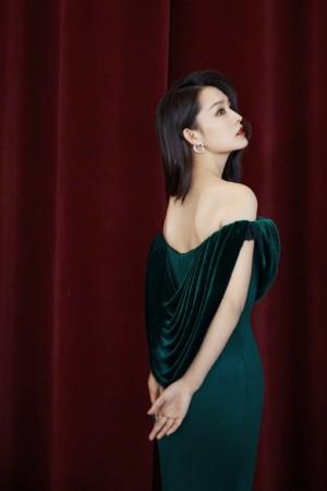 李沁绿墨名伶优雅造型
