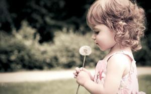 六一儿童节可爱小美女萝莉摄影图片