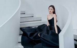 张天爱抹胸裙优雅写真桌面壁纸