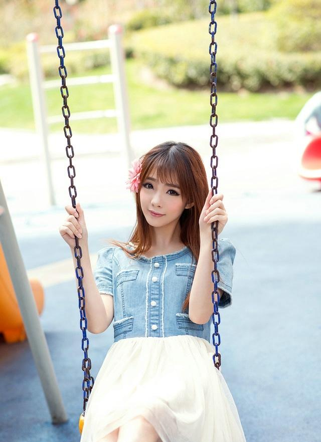 风一样的甜美女生lisa宛如春风中的天使写真
