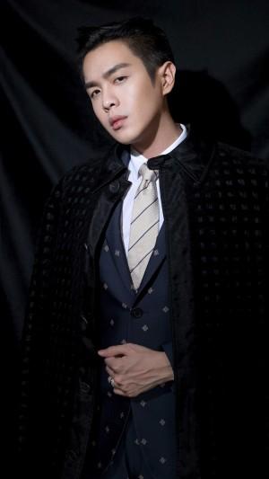 时尚绅士张若昀礼服帅气写真