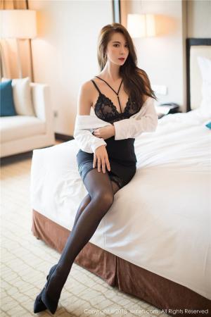 极品美腿嫩模carry床上情趣内衣魔鬼身材诱惑写真图片