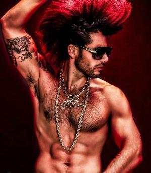 外国肌肉男模性感个性纹身写真图片