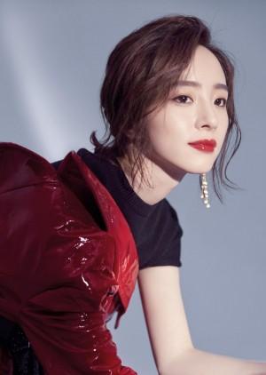 胡冰卿魅惑百变时尚杂志封面
