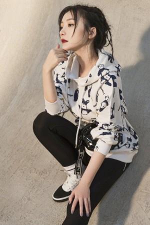 柳岩百变优雅写真图片
