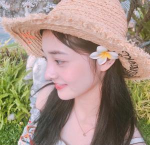 周洁琼清纯甜美旅拍照图片