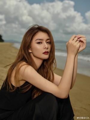 傅菁黑色西装御姐风造型酷飒写真图片