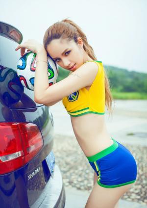 靓丽美女车模足球宝贝运动性感身材写真图片