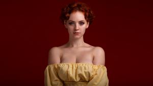 红色头发高贵优雅知性欧美美女高清壁纸