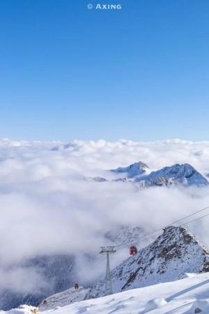 达古冰川气势磅磗的冬天美景图片