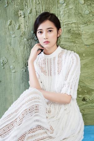 陈钰琪清新脱俗时尚写真图片