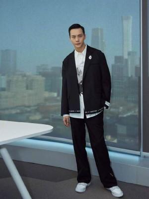 陈伟霆办公室魅力大片