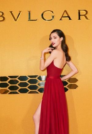 钟楚曦红色高叉长裙性感活动写真