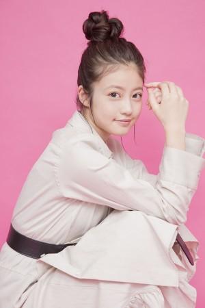 今田美樱丸子头粉色少女风写真图片