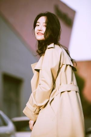 90后小美女吴倩时尚写真