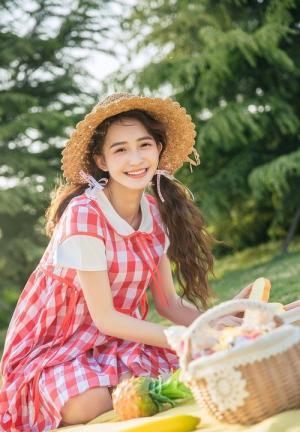 16岁清纯可爱小萝莉午后温馨甜蜜写真