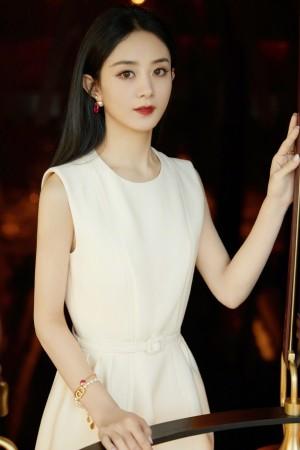 赵丽颖优雅简约白裙写真图片