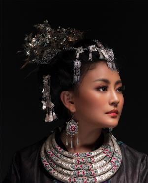 复古阿鲁阿卓民族大片尽显古典风尚
