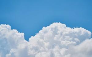 唯美蓝天白云风景图片桌面壁纸