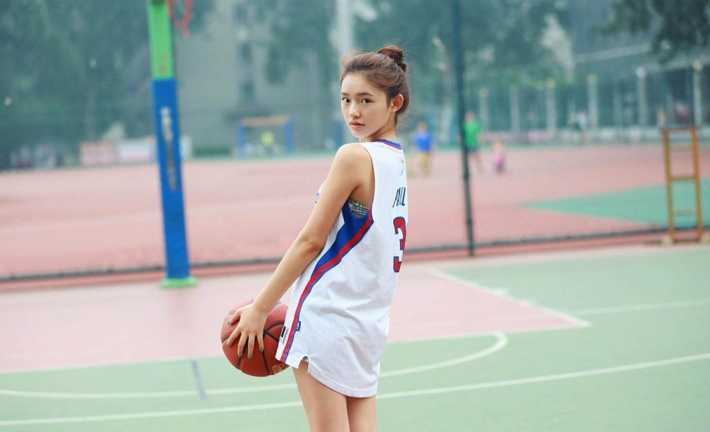 美女明星林允校园篮球服清纯活力写真