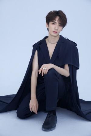 谷蓝帝潮流装扮时尚写真图片