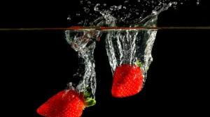 摄影下新鲜美味的草莓