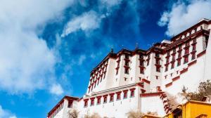 西藏布达拉宫雄伟壮观