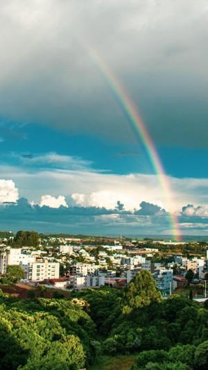 绚丽彩虹上空风景图片手机壁纸