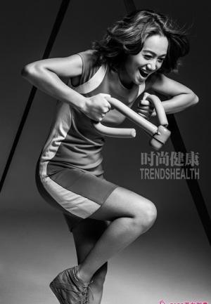 时尚新贵朱丹连展露多样女人色彩写真