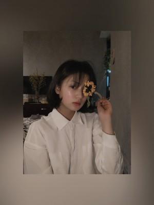 张雅钦短发造型私服清纯照图片
