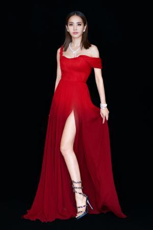 蔡依林红色冷艳高贵女神范写真