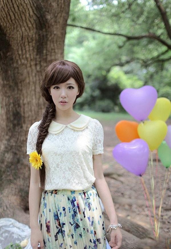 可爱清纯美少女唯美似深林里的花仙子写真