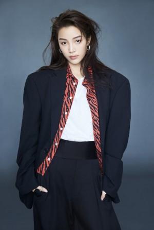 张楠迷人个性时尚写真图片
