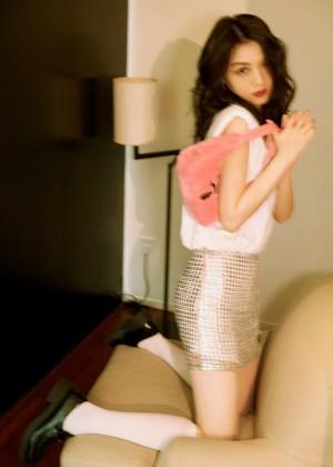 春夏Prada宣传照图片