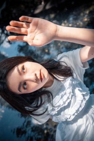 春夏春日清新纯美户外写真图片