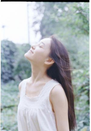 蒋依依仙气写真图片