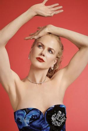 妮可·基德曼长短发切换演绎风情万种性感写真