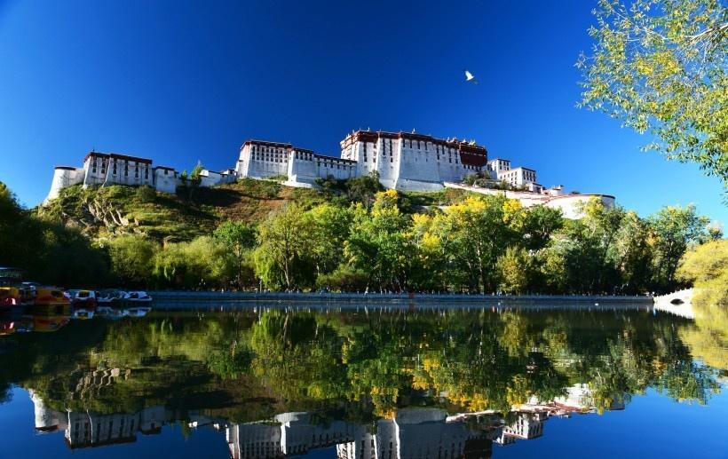西藏布达拉宫风景图片