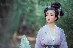 唐朝服饰丰满圆润古装美女成熟魅力写真