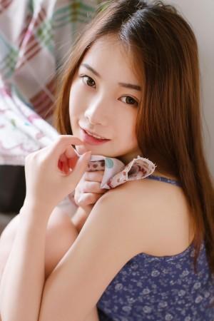 國模少女Kimoe沈欣雨大膽人體藝術寫真