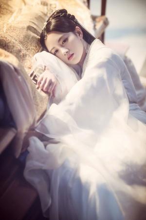鞠婧祎《新白娘子传奇》白素贞剧照图片