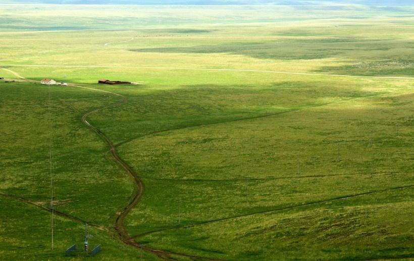 內蒙古烏里雅斯太山旅游景區風景