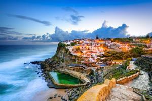 葡萄牙辛特拉小镇海边风景壁纸