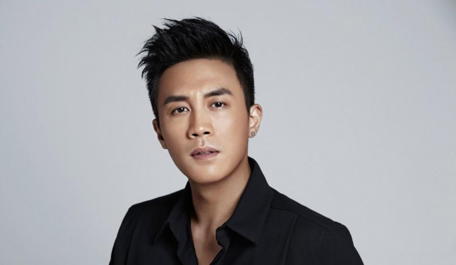 杜淳酷帅时尚写真 黑色衬衣展熟男魅力